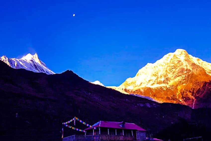 Manaslu trek in winter